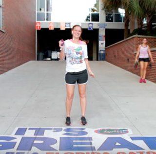 University of Florida Shake It Off - Estudia En Florida